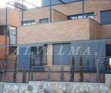 Celosia de aluminio bastidor corredera con lama móvil, instalada en Torrelodones, Madrid