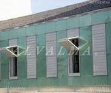 Celosia de aluminio bastidor plegable vertical con lama móvil, instalada en Alpedrete, Madrid