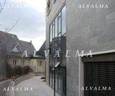Muro cortina de aluminio sistema tapeta instalado en Villalba, Madrid
