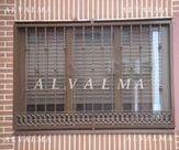 Reja de cerrajeria de hierro lacado instalada en Valdemoro, Madrid