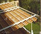 Marquesina, Pérgola con estructura de aluminio instalada en Madrid