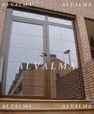 Puertas de aluminio practicable con rotura de puente térmico instalada en Valdemoro, Madrid