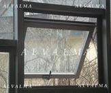 Ventana de aluminio de apertura Proyectante instalada en Villalba, Madrid